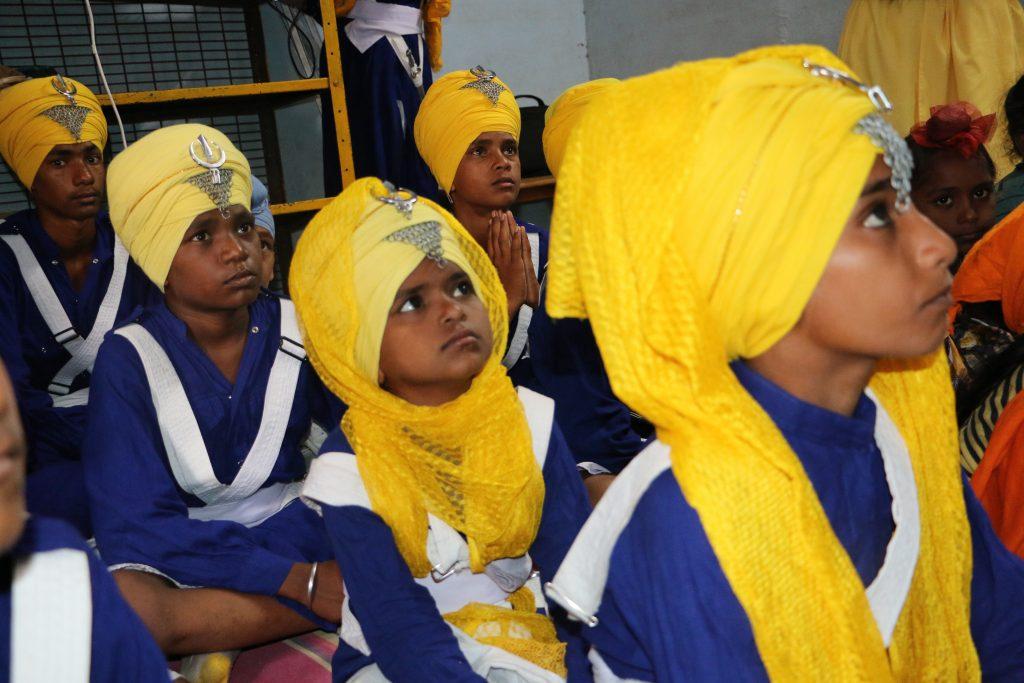 Sikligar sikh children in Sikhi bana